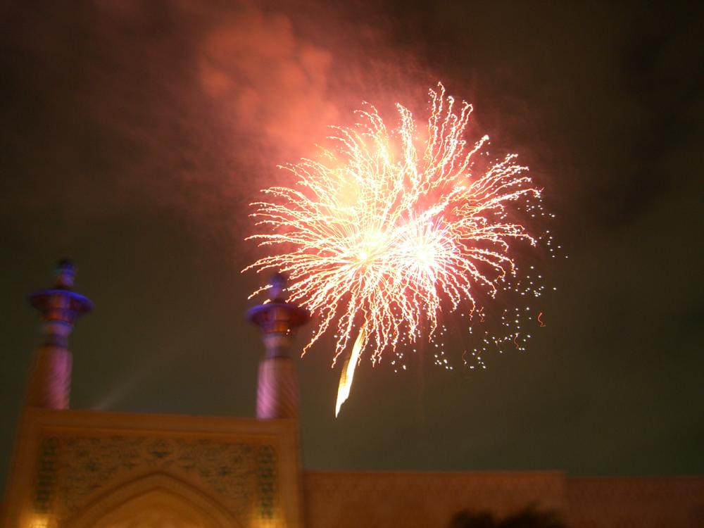 アラビアンコーストから見る花火は距離が近い
